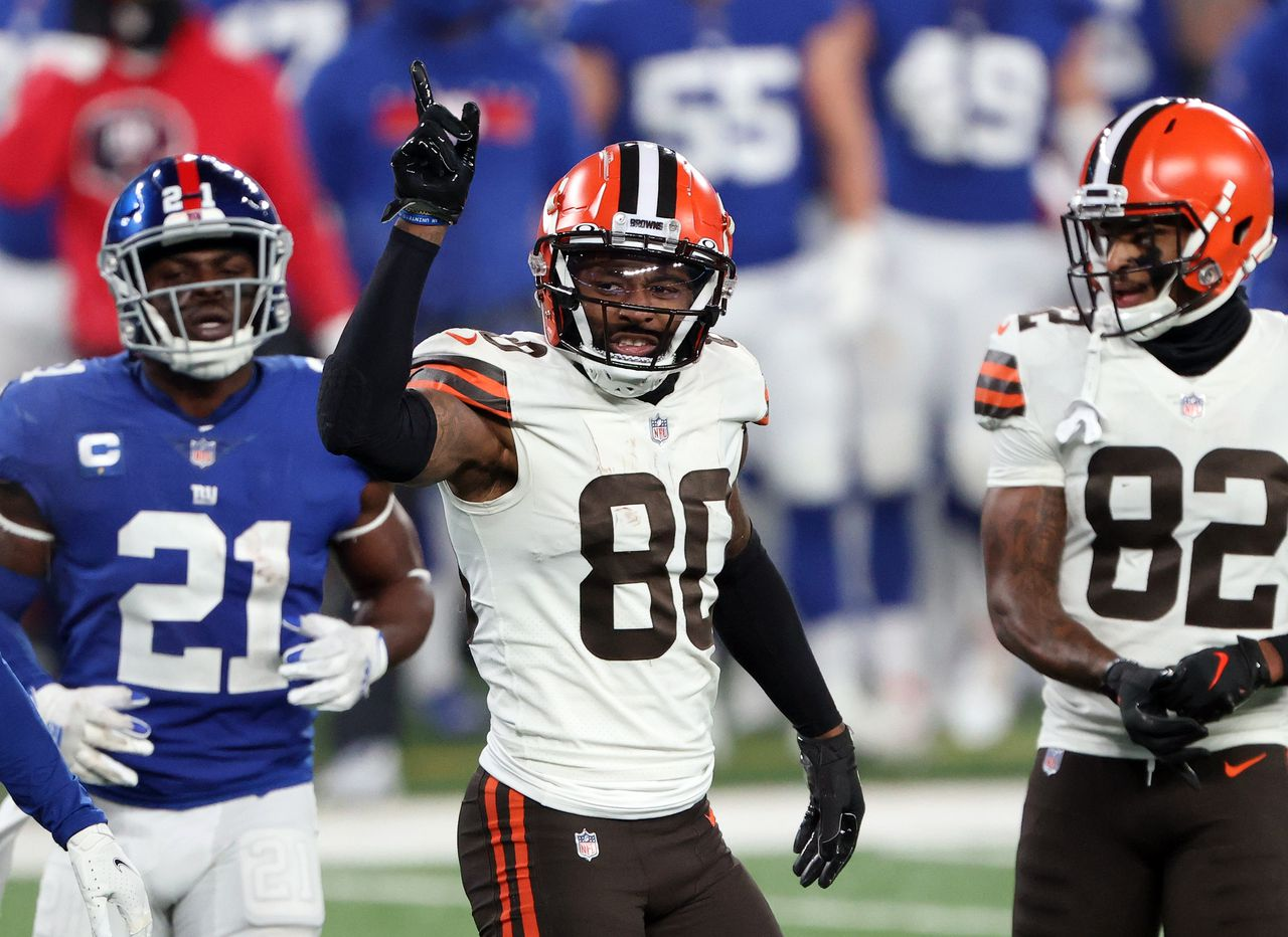 Jarvis Landry from Browns, Richard Higgins, Donovan People Jones, Jadaryl Hodge, PJ Goodson, and Jacob Phillips on the COVID-19 list and out of the aircraft game